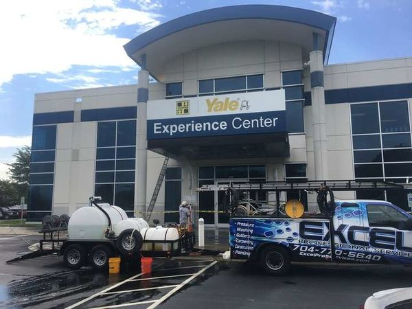 Commercial Building Pressure Washing and Cleaning in Charlotte, NC (1)