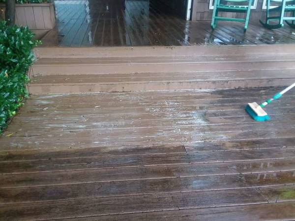 Soft-Washing / Power Washing Deck Cleaning in Mooresville, NC (1)